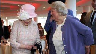 Video Queen Elizabeth Meets Hyacinth Bucket - Dame Patricia Routledge - Chichester Theatre 2017 MP3, 3GP, MP4, WEBM, AVI, FLV Februari 2018