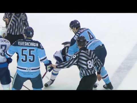 KHL Fight: Artyukhin VS N.Kvartalnov (видео)