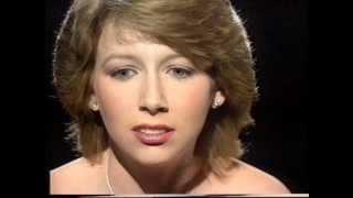 Lena Zavaroni sings 'One More Chance' 1981
