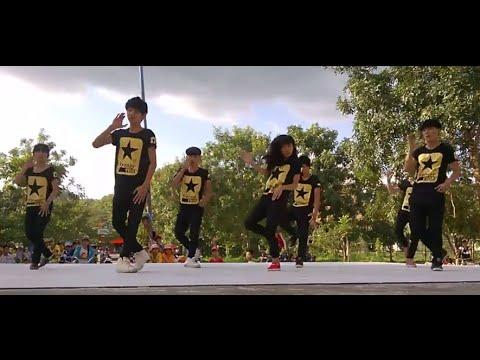 màn nhảy bốc lửa của học sinh chúc mừng ngày 20/11