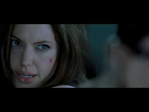 #Hollywoodmovies Mr & Mrs Smith movie best scene - Angelina jolie vs Brad pit