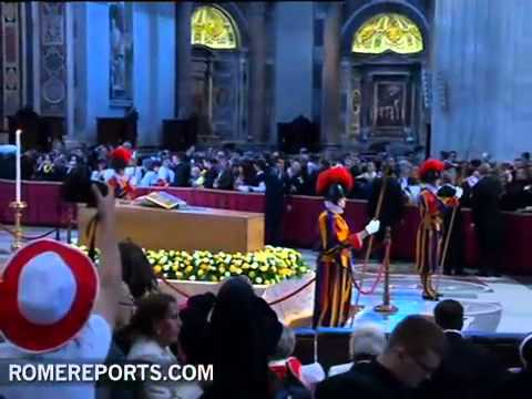 More than 250,000 people have passed by coffin of beatified Pope John Paul II