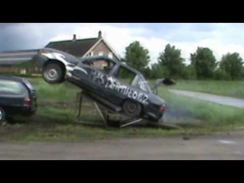 Opel Kadett attempts jump over Ford, Modeo, mini fridge