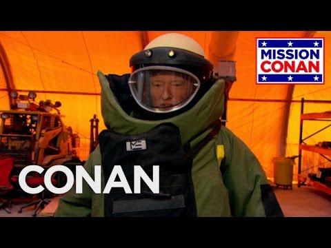 Conan na návštěvě u pyrotechniků
