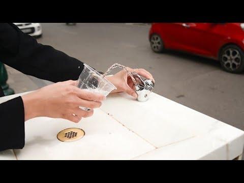 Cận cảnh bên trong những trụ nước sạch miễn phí ở Thủ đô   VTV24 - Thời lượng: 2 phút, 48 giây.