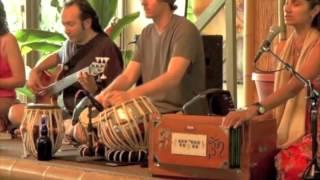 Chanting The Hanuman Chalisa: Nina Rao - Saraswati Hanuman Chalisa