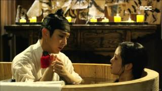 Nonton  Scholar Who Walks The Night                       10      Lee Joon Ki Give Lee Yu Bi A Bath    20150806 Film Subtitle Indonesia Streaming Movie Download