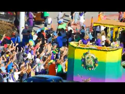 Six Minutes Of The Mardi Gras Parade In Biloxi , Mississippi 2018