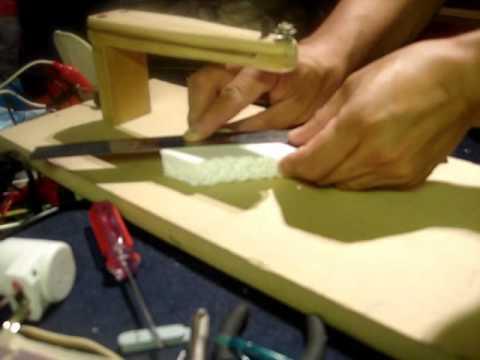 cortadora - Sencilla cortadora de alambre de nicrom para pequeñas y medianas piezas de foam o similar.