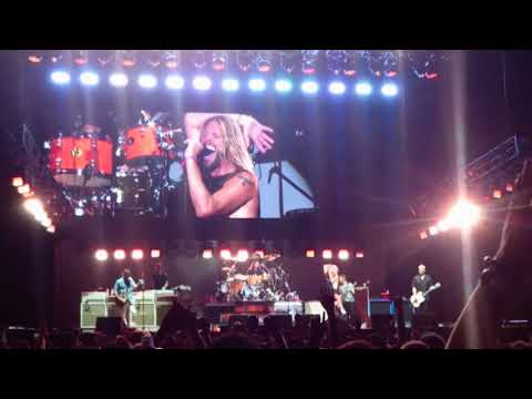 Foo Fighters - Under Pressure (Queen Cover) Dave Grohl Drums (видео)