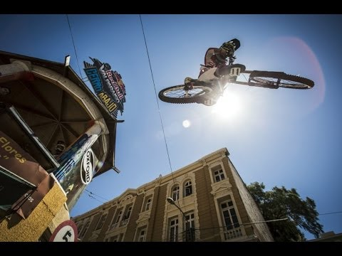 Red - See mountain biking like you have never seen it before: http://win.gs/1lxRNQQ The 12th year of Downhill urban mountain biking returns to Valparaíso´s hills. ...