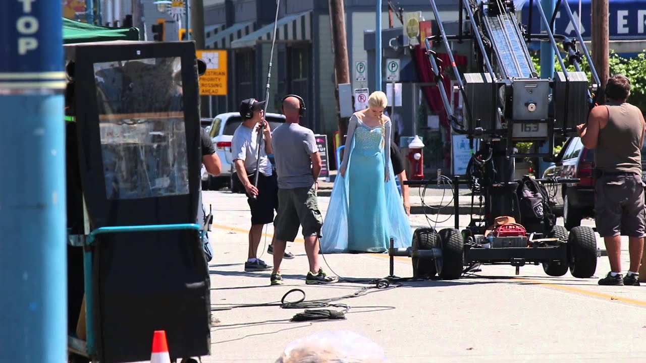 Once Upon a Time - Season 4 - Set Video of Georgina Haig as Elsa