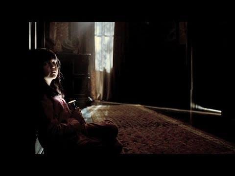 Trailer film Don't Be Afraid of the Dark