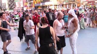 Street fight, New York 2013, Time Square