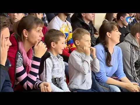 На Центральной спортивной арене Великого Новгорода прошел Суперкубок области по мини-футболу