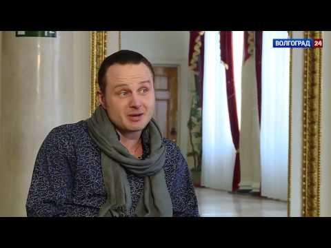 Виталий Мелешников, актер НЭТа