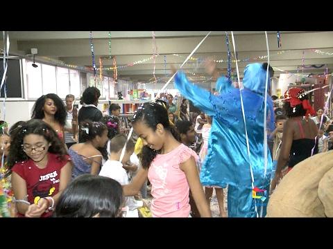 Bailinho de crianças na Biblioteca Benedito Leite