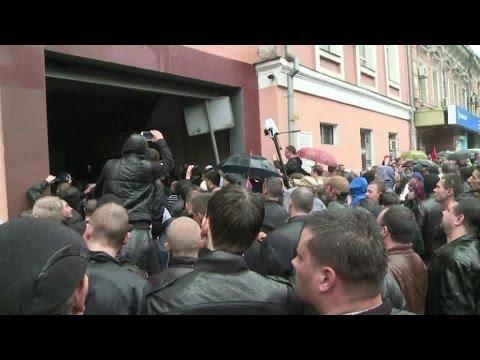 Ukraine: 2.000 pro-russes ont lancé un assaut contre le siège de la police à Odessa – 04/05