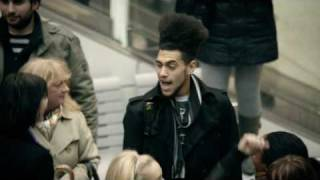 Watch the moment Liverpool Street Station danced to create this special T-Mobile Advert. Life's for sharing.