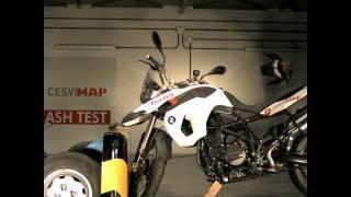 Crash test BMW F800