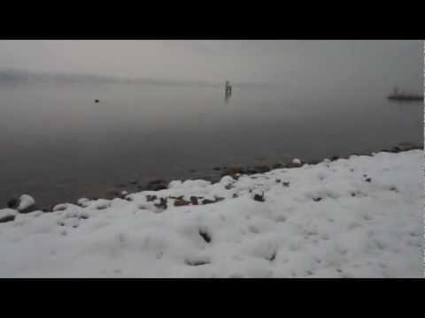 La magia della neve sul Lago di Varese