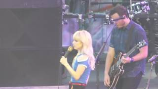 download lagu download musik download mp3 Paramore - Hard Times (KROQ Weenie Roast, Stub Hub Center, Carson CA 5/20/17)