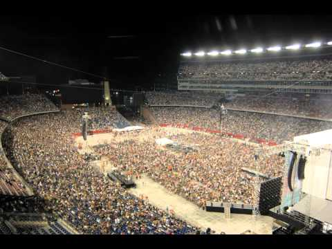 Brad Paisley GIllette Stadium Time Lapse  Show Day Blog