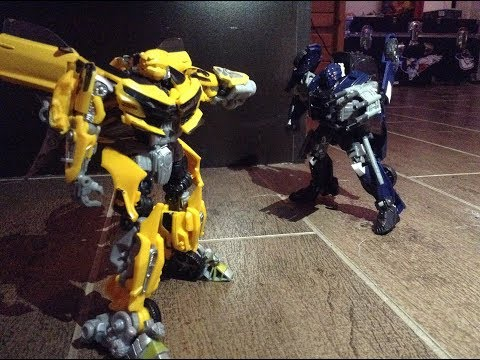 Bumblebee vs Barricade (Stop Motion)
