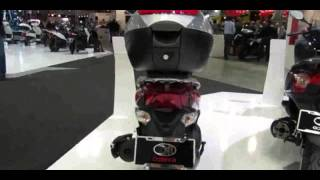 8. 2014 Kymco People One 125 Walkaround