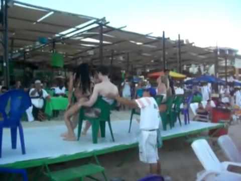 487 Lap dance Venezuela girl giving Virgin Boy a  cute  lap dance (видео)