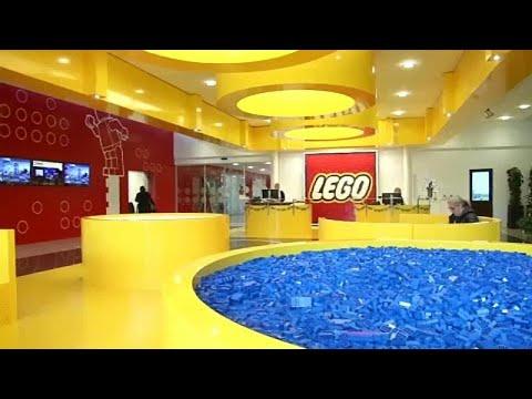 Η Lego αγοράζει τη Μαντάμ Τισό
