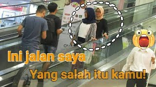 Video PRANK SALAH NAIK ESKALATOR - Prank Indonesia MP3, 3GP, MP4, WEBM, AVI, FLV November 2018