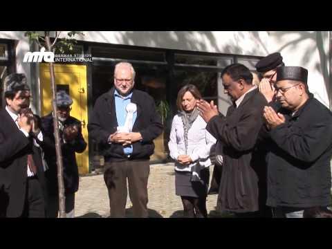 Baumpflanzung in Gelsenkirchen als Zeichen für Integration und Frieden