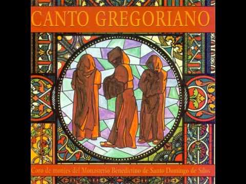 Coro de monjes del Monasterio Benedictino de Santo Domingo de Silos