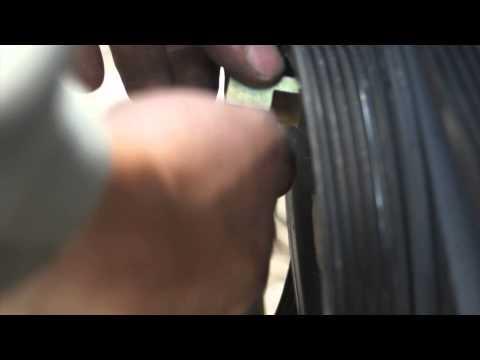 Prípravok na montáž-demontáž klínového remeňa MG50370
