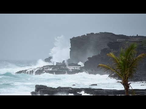 Συνεχίζει να ταλαιπωρεί τη Χαβάη ο Λέιν αλλά ως καταιγίδα …