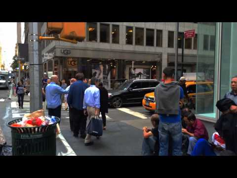 Apple store - The line at the 5th Ave. Apple Store in Manhattan on September 18th, 2014.