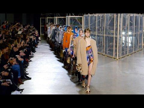 Day 4 Highlights at London Fashion Week AW16 видео