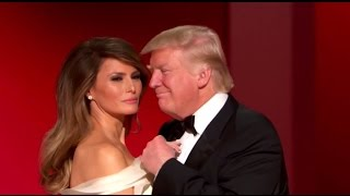 Дональд и Меланья Трамп исполнили первый танец