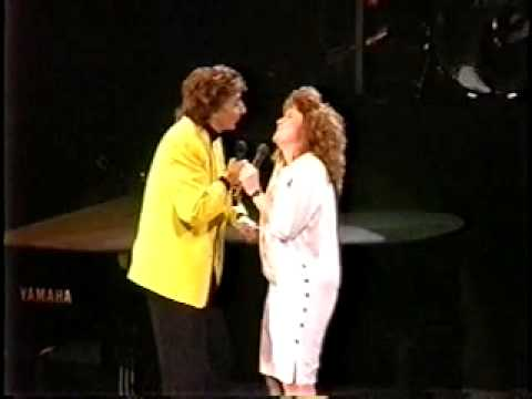 Video Barry Manilow - Can't Smile Without You Duet download in MP3, 3GP, MP4, WEBM, AVI, FLV February 2017