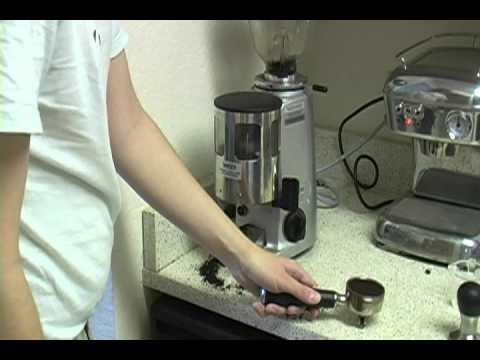 Pulling a shot with Ascaso Dream espresso machine and Mazzer Mini