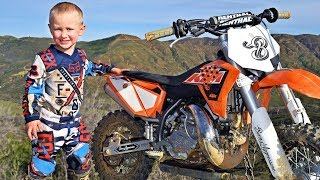 SUBSCRIBE to Barcroft TV: http://bit.ly/Oc61HjA four-year-old motocross biker is destroying his competition and snatching trophies away from competitors years older than him. Born and raised in the world of motocross, Jaydin Smart is already outstripping older competitors and his parents believe he is on his way to a sparkling professional career. Jaydin's parents - Jocelyn and Patrick Smart - are also motocross lovers and the family live on a stretch of land in California, which has their very own race tracks to practice on.Videographer / director: David JohnsonProducer: Hannah Stevens, Michael MuncerEditor: Marcus CooperBarcroft TV: https://www.youtube.com/user/barcroftmedia/featuredBarcroft Animals: https://www.youtube.com/barcroftanimals/featuredBarcroft Cars: https://www.youtube.com/user/BarcroftCars/featuredBear Grylls Adventure: https://www.youtube.com/channel/UCzcUNwS7mypzPhW4gsjO7og/featuredFor more of the amazing side of life:For the full story, visit BARCROFT.TV: http://www.barcroft.tv/Like @BarcroftTV on Facebook: https://www.facebook.com/BarcroftTVFollow @Barcroft_TV on Twitter: https://www.Twitter.com/Barcroft_TVCheck out more videos: https://www.youtube.com/user/barcroftmedia/videos