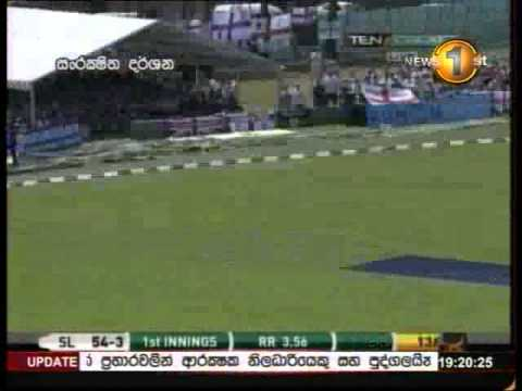 Wonderful strike for six by Chaminda Vaas, World Cup, 2003