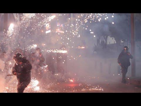Video - Κλεφτοπόλεμος διαδηλωτών - αστυνομίας στην εύφλεκτη Βηρυτό