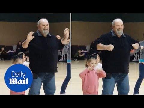 Παππούς κάνει την μαζορέτα για χάρη της εγγονής του