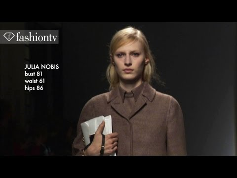 Julia Nobis - Julia Nobis: Top Model at Fall/Winter 2013-14 Fashion Week http://www.FashionTV.com/videos MILAN - FashionTV highlights Australian model Julia Nobis in Milan...