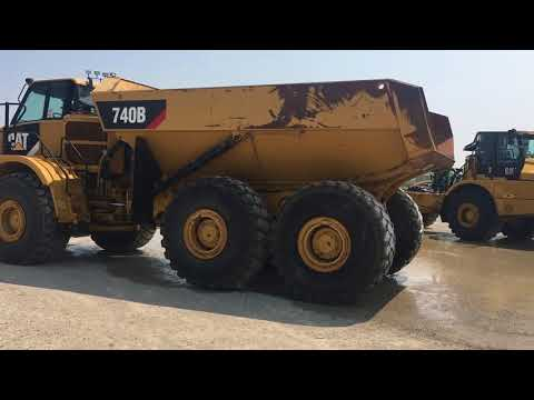 Caterpillar CAMIOANE ARTICULATE 740B equipment video VWg5P-ENfE8