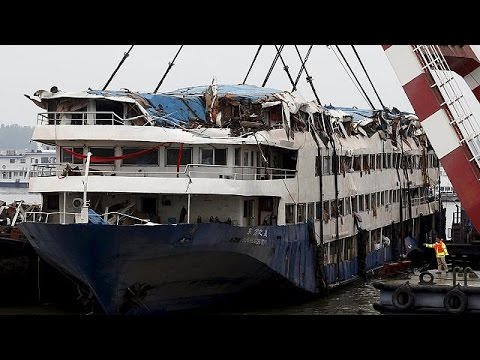 Κίνα: Συνεχίζονται οι έρευνες στο ναυάγιο στον ποταμό Γιανγκτσέ