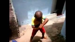 Criança dançando Lepo Lepo - Psirico (Melhor coreografia!!!) - YouTube