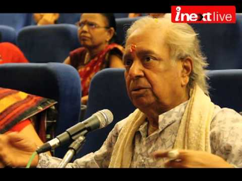 Kanpur - Pandit Birju Maharaj recently takes a Kathak in Kanpur during his visit to the city. In this class many kids & Kathak lovers take tips from Pandit Ji.